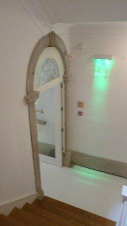 Porto Lounge Hostel & Guesthouse: Início da escada