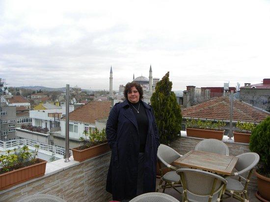 White House Hotel Istanbul: en la terraza