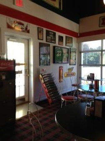 The Creme Hut : Nostalgic motif and decor.