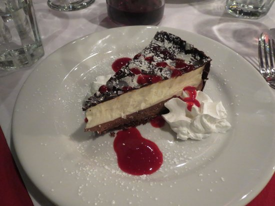 Piazza Italia: Dark chocolate and white mousse with raspberry sauce