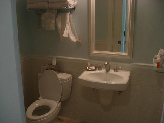 The Inn at Little Harbor: our bathroom