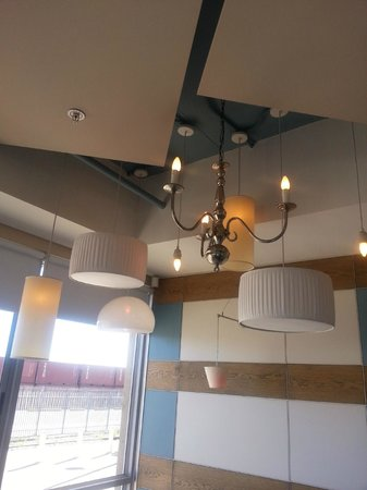 AHA Harbour Bridge Hotel & Suites: Clever and charming display of lighting