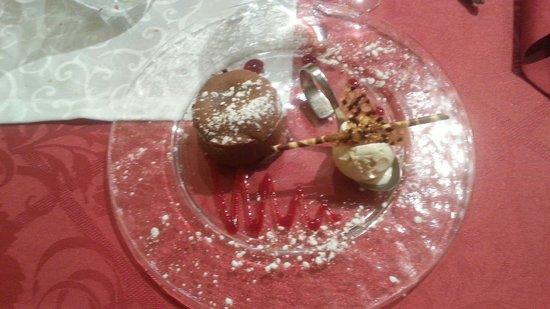 restaurant le lion d'or Lagnieu: Mi-cuit au chocolat