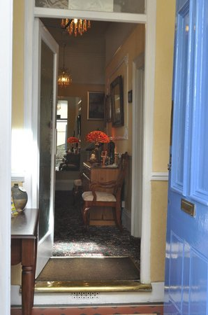 Melba House Hotel : Front Door through to Hall