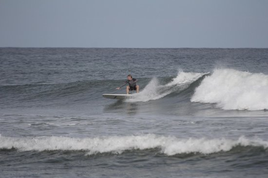 Peaks 'n Swells Surf Camp : Lajas point break...