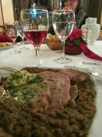 Logis de France Hotel : petit sale accompanied by a Domaine de Gigou