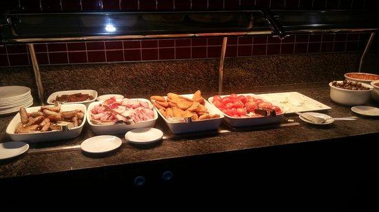Novotel London City South : Buffet breakfast anglais hum!!!