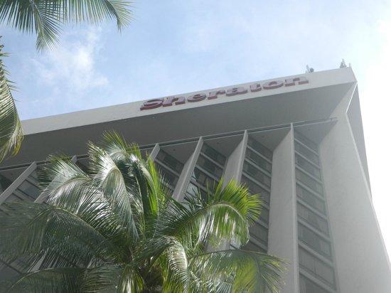 Sheraton Grand Panama: desde la piscina