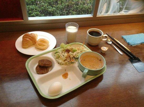 Hotel Villa Fontaine Kayabacho : Breakfast at the hotel