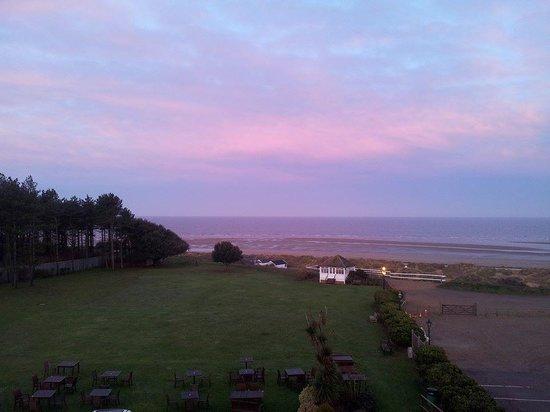 BEST WESTERN Old Hunstanton Le Strange Arms Hotel : Sunrise
