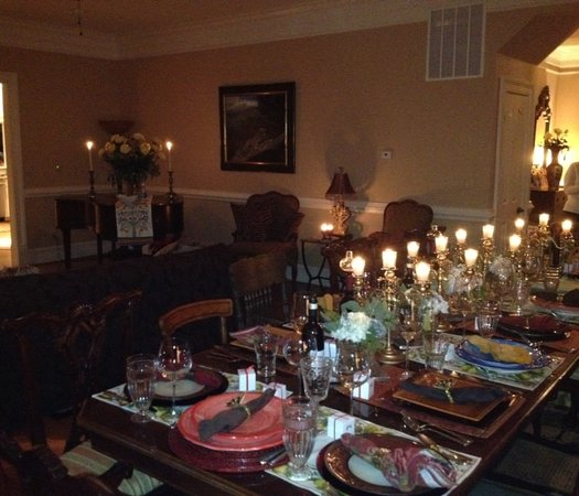 Harmony Manor Bed & Breakfast: Dinner for special celebrations