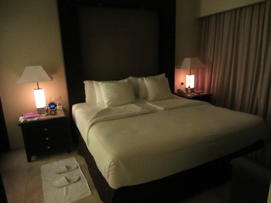 The Reserve at Paradisus Punta Cana : King bed in one bedroom master suite