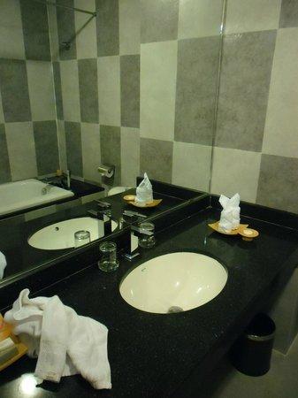 Romance Hotel: Waschtisch