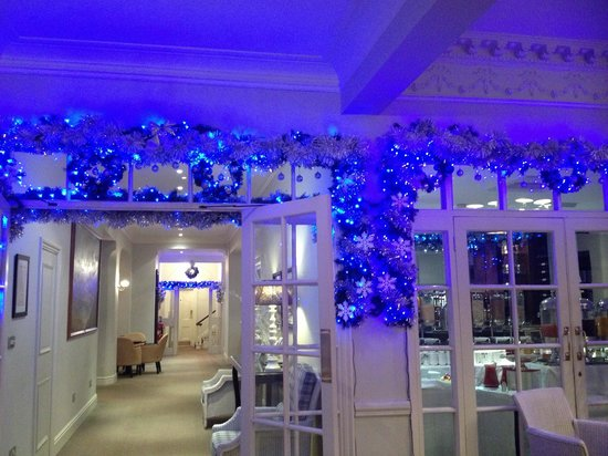St. George's Hotel: Christmas lights at reception area