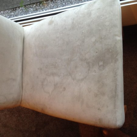 Ramada Chorley South: Dirty Stained Dining Room Chair