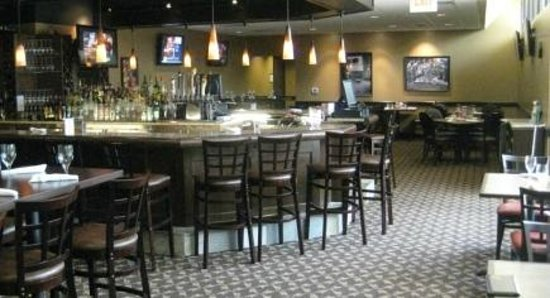 Rush Creek Bistro: Join us for Happy Hour in the Bar