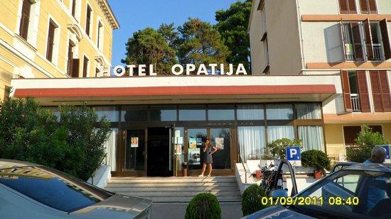 Hotel Opatija: Giriş
