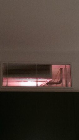 Park Grand London Paddington: Heating and ventilation