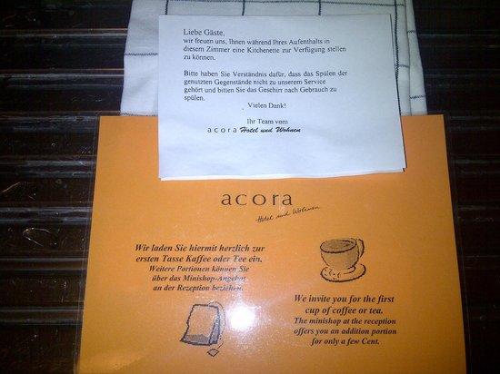 Acora Hotel Karlsruhe : Hinweis in der Einbauküche, dass das Geschirr nicht gereinigt wird