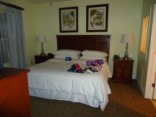 Sheraton Vistana Villages - International Drive: Master Bedroom~ King bed :)