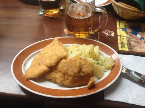 Pivnice U Svejku : Schnitzel di pollo