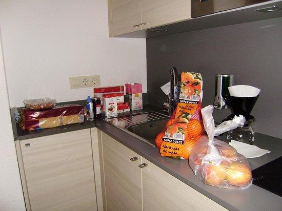Almirall Apartments : Cocina