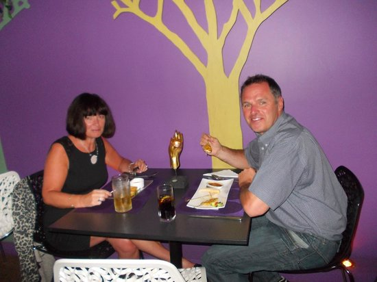 PEARL AND PLOY THAI FUSION RESTAURANT: lovely decor