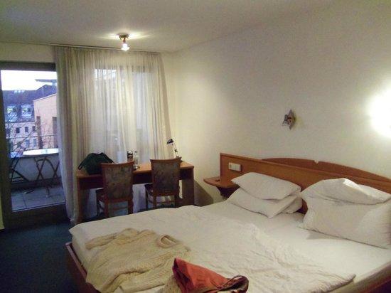 Hotel Metropol Tubingen: Room 8 on the 3rd floor of the building