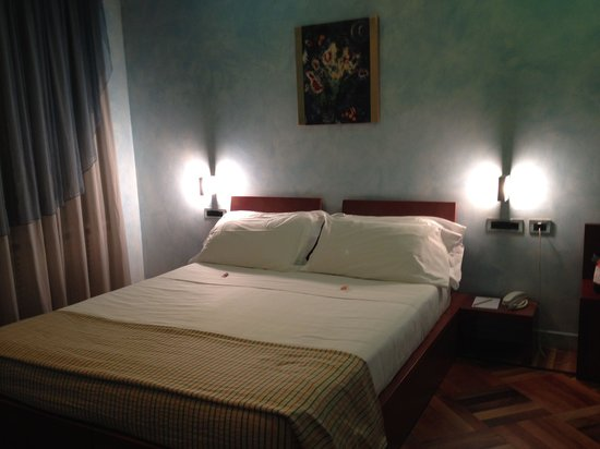 Hotel Sanpi Milano: Bedroom 2