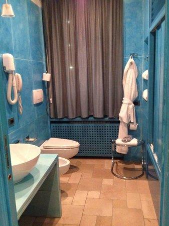 Hotel Sanpi Milano: Bathroom