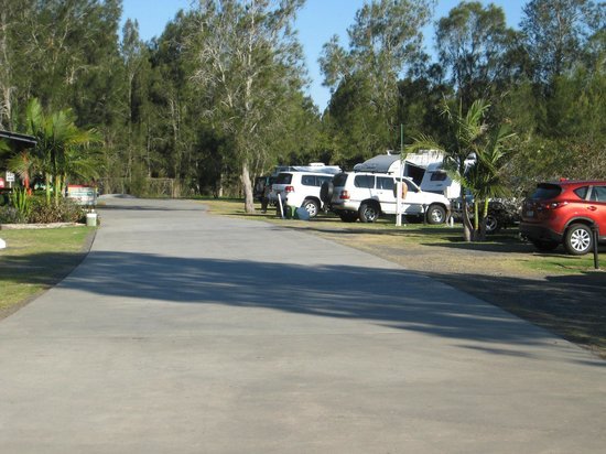 Secura Lifestyle Lakeside Forster : Excellant Driveway