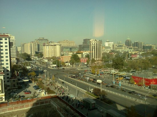 pentahotel Beijing: View from my room facing the major intersection
