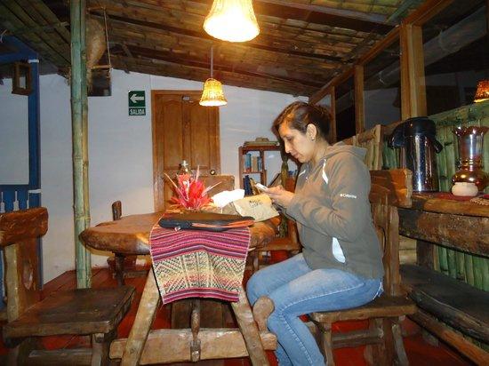 Hostal Arcano: Comedor, ubucado en el tercer piso y con una vista hermosa. El Techo es de vidrio.