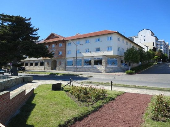 Hotel Tres Reyes : Vista de la fachada del hotel