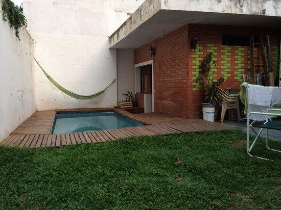 Happy Happy Hostel: Pool area.