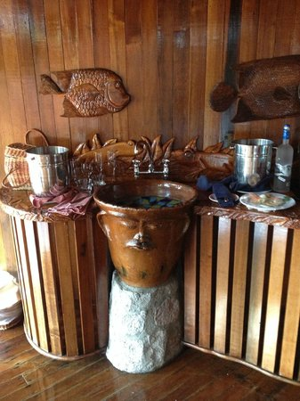 Ladera Resort: beautiful craftsmanship in the room