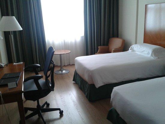 Hilton Rome Airport Hotel: Quarto standard