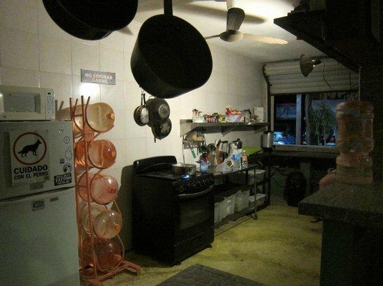 Chalupa Hostal : kitchen