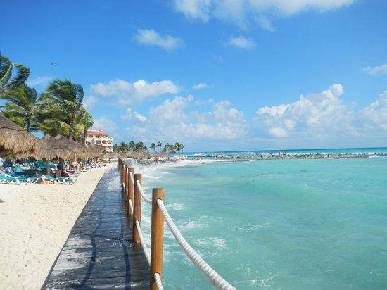 Catalonia Yucatan Beach: Boardwalk at Catalonia