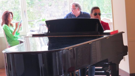 Grand Hotel Excelsior Vittoria: Daily pianist while having breakfast
