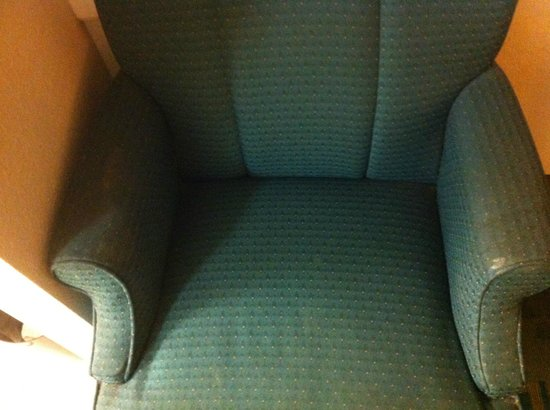 La Quinta Inn Pensacola: DRY VOMIT on the chair