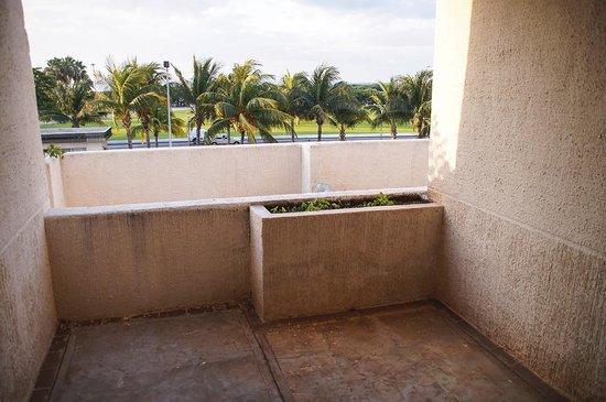 Casa Maya Cancun: Traurige Aussicht vom Schlafzimmer-Balkon
