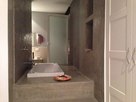 B&B Malusi : Vasca da bagno con idromassaggio