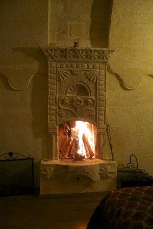Taskonaklar Boutique Hotel: Fireplace in room 119