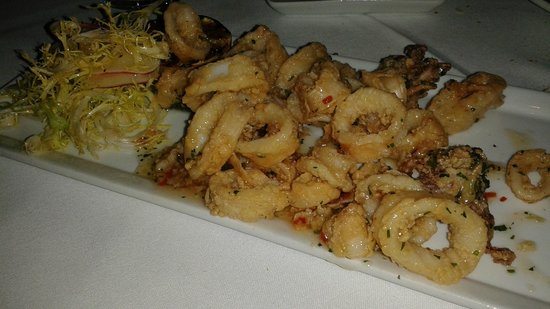 Whisper Restaurant & Lounge : Calamari-Get it!