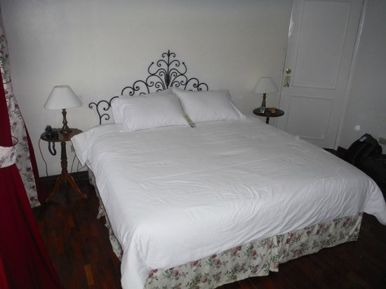 Hostal de La Rabida: Comfortable bed