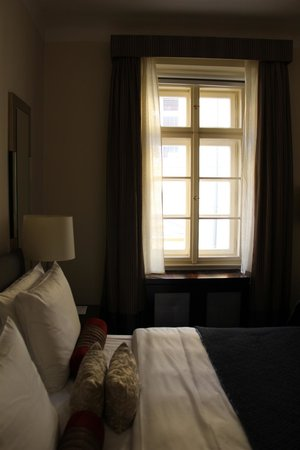 Mandarin Oriental, Prague: Superior room no edifício histórico com vista para a rua (silenciosa)