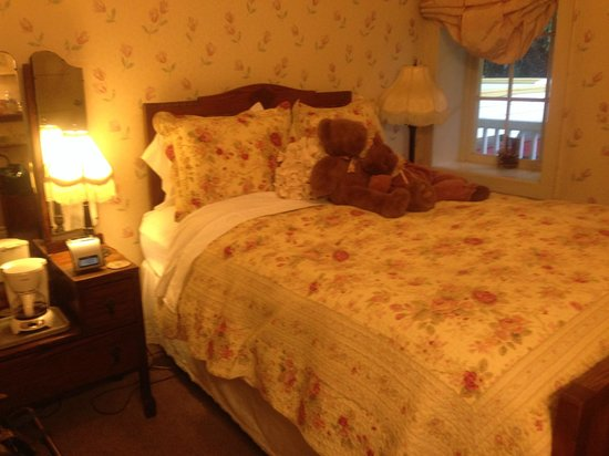 The Groveland Hotel : The Lola Montez Room 4