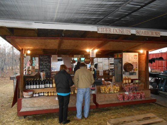 Windy Hill Orchard & Cider Mill: store