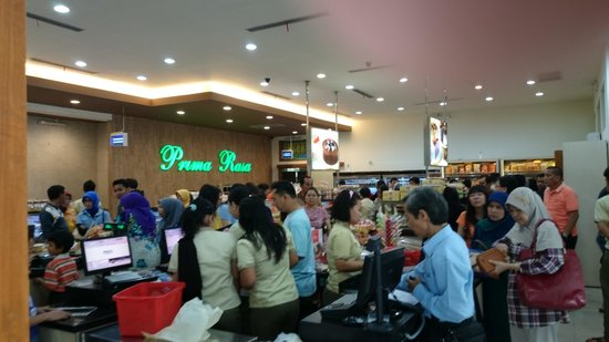 Prima Rasa Bakery and Pastry: inside